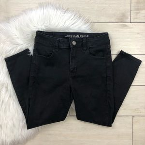 AEO Black Hi-Rise Jegging Crop